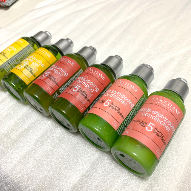 L'OCCITANE(ロクシタン)のL'OCCITANE シャンプーコンディショナーシャワージェル50ml コスメ/美容のヘアケア/スタイリング(シャンプー/コンディショナーセット)の商品写真