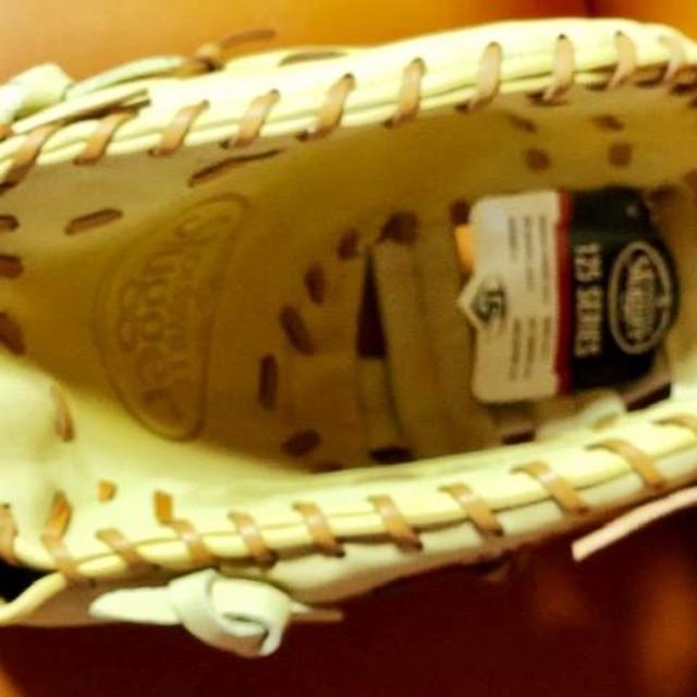 Louisville Slugger(ルイスビルスラッガー)のUSA限定発売モデル★USAルイスビルスラッガー☆一塁手グローブ☆左投げ硬式 スポーツ/アウトドアの野球(グローブ)の商品写真