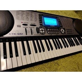 カシオ(CASIO)の電子ピアノCASIO  CTK-651(電子ピアノ)