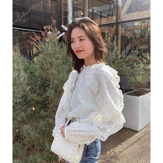 moussy - MOUSSY EMBROIDERED LACE ブラウス