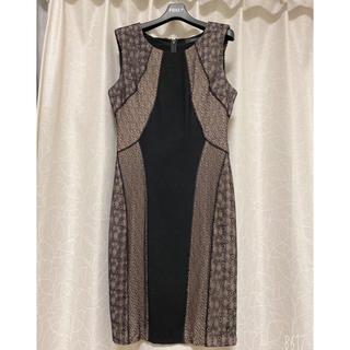 ビーシービージーマックスアズリア(BCBGMAXAZRIA)のBCBGMAXAZRIA ビーシービージー ドレス ワンピース 黒レース 美品(ひざ丈ワンピース)