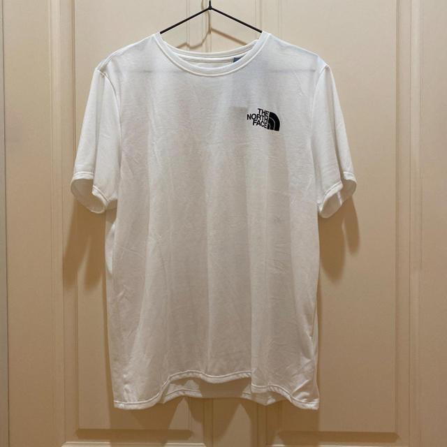 THE NORTH FACE(ザノースフェイス)のノースフェイス Tシャツ L 無地 白 ホワイト ロゴ シンプル  レディースのトップス(Tシャツ(半袖/袖なし))の商品写真