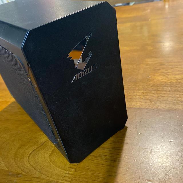 [送料無料!]Gigabyte eGPU ボックス スマホ/家電/カメラのPC/タブレット(PC周辺機器)の商品写真