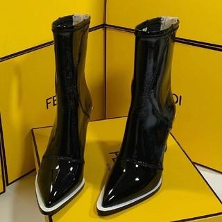 フェンディ(FENDI)のFENDI ブーツ 23.5(ブーツ)