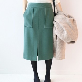 イエナスローブ(IENA SLOBE)のスローブイエナ モッサタイトミモレ丈スカート グリーン 38(ひざ丈スカート)