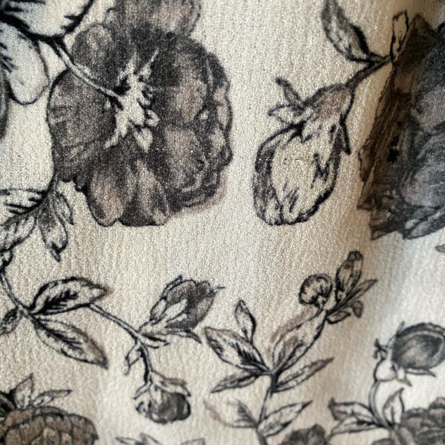 Ameri VINTAGE(アメリヴィンテージ)のAMERI 花柄ワンピース レディースのワンピース(ロングワンピース/マキシワンピース)の商品写真