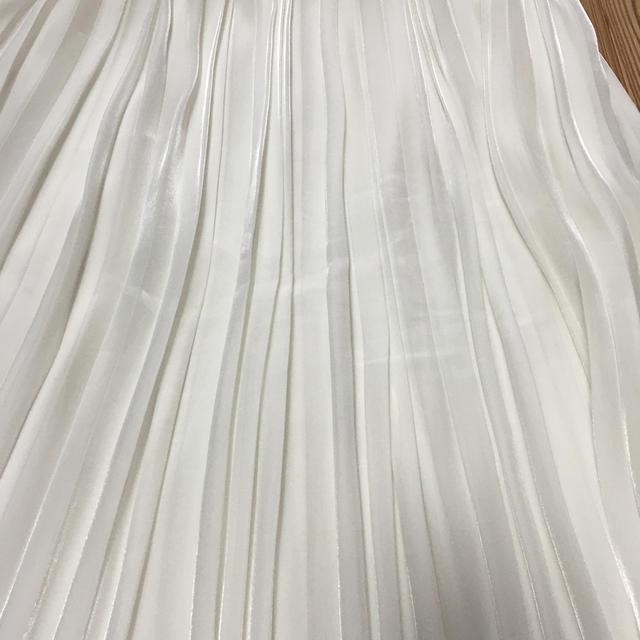 UNTITLED(アンタイトル)のアンタイトル UNTITLED プリーツロングスカート  白 レディースのスカート(ロングスカート)の商品写真