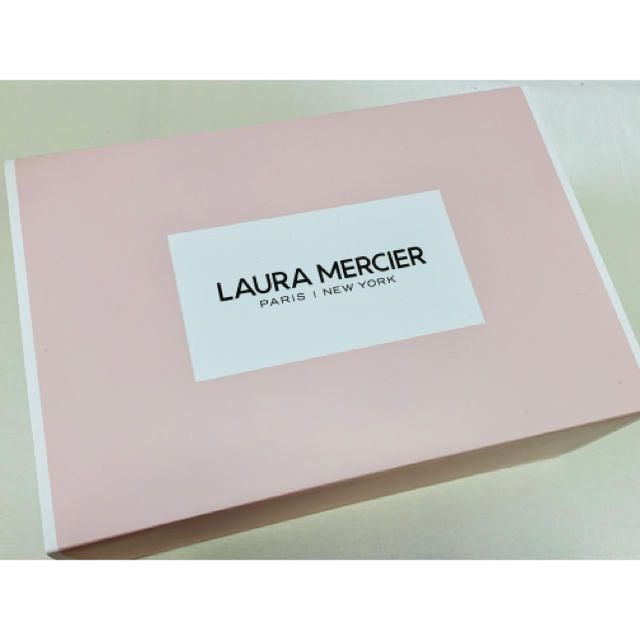 laura mercier(ローラメルシエ)のローラメルシエ、大きめボックス コスメ/美容のベースメイク/化粧品(その他)の商品写真