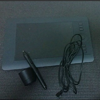 ワコム(Wacom)のWacom Intuos pro ペンタブレット PTH-451(PC周辺機器)