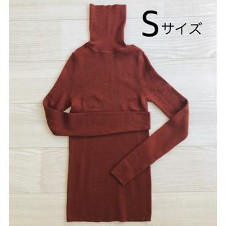 ユニクロ(UNIQLO)のユニクロ🌰 エクストラファインメリノ リブタートルネックセーター 赤茶色🧶(ニット/セーター)