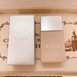 アールエムケー(RMK)のRMK UVリクイドファンデーション  102(ファンデーション)