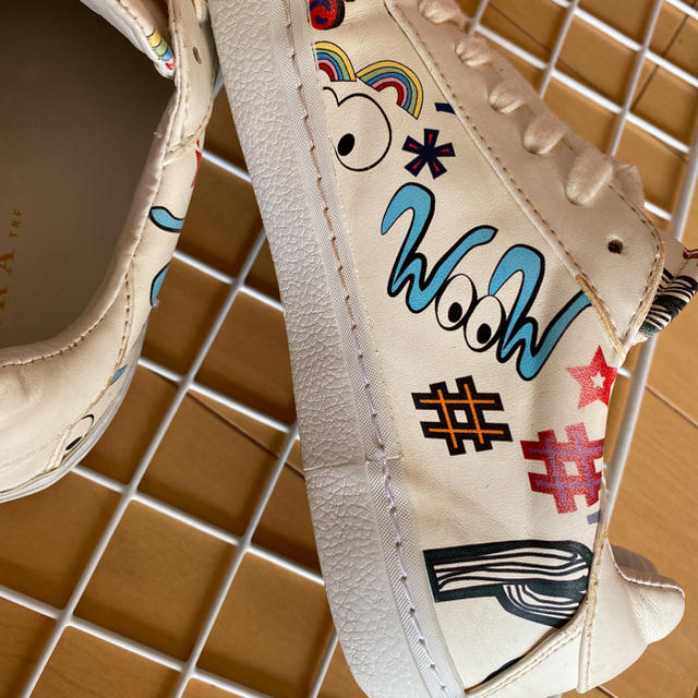 ZARA(ザラ)のザラスニーカー レディースの靴/シューズ(スニーカー)の商品写真