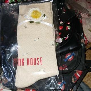 ピンクハウス(PINK HOUSE)のピンクハウスモチーフ付靴下練乳色未使用(ソックス)