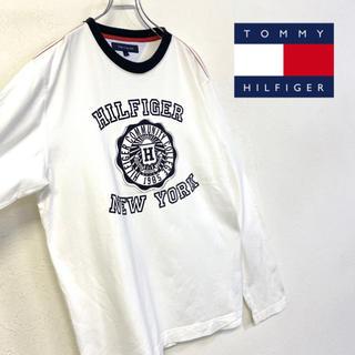 トミーヒルフィガー(TOMMY HILFIGER)の美品 TOMMY HILFIGER ロゴロンT ホワイト×ネイビー 長袖Tシャツ(Tシャツ/カットソー(七分/長袖))