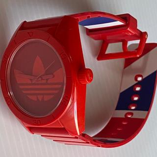 アディダス(adidas)のアディダス腕時計 レッド/ベルト裏カラー   電池交換済(腕時計)