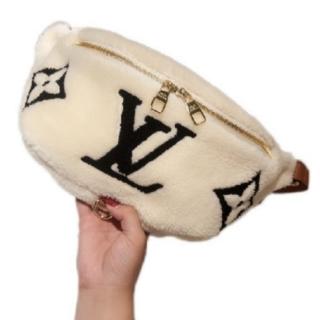 LOUIS VUITTON - 綺麗、 ベルトバッグ
