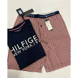 トミーヒルフィガー(TOMMY HILFIGER)の新品未使用♡タグ付き  TOMMYHILFIGERのTシャツとパンツ2点セット(Tシャツ/カットソー(半袖/袖なし))