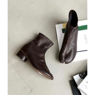 トゥデイフル(TODAYFUL)のVivian 足袋デザインストレッチショートブーツ(ブーツ)