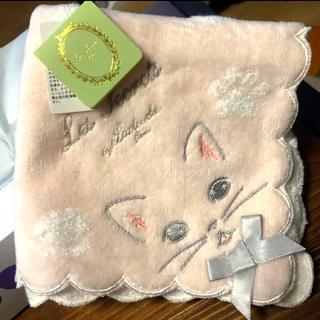 ラデュレ(LADUREE)の★スクレ by ラデュレ★猫モチーフ タオルハンカチ(ハンカチ)