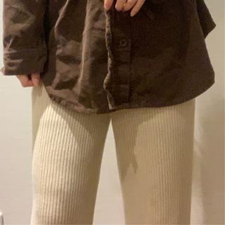 ウィゴー(WEGO)の冬服 淡色コーデパンツ(大きめ)(カジュアルパンツ)
