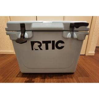 Coleman - 美品 RTIC 20LBULE色 クーラーボックス