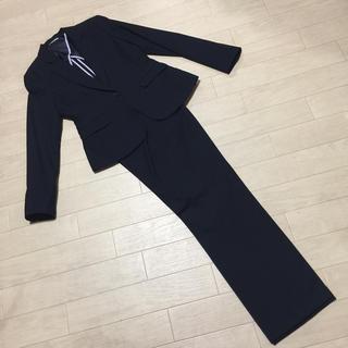 スーツカンパニー(THE SUIT COMPANY)の新品 パンツスーツ 紺 13号(スーツ)