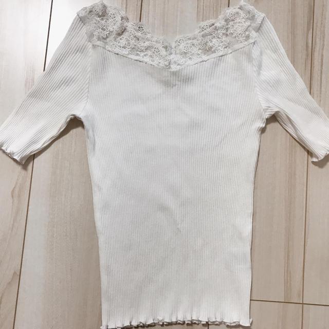 one after another NICE CLAUP(ワンアフターアナザーナイスクラップ)のナイスクラップ 肩レース Tシャツ トップス NICE CLAUP レディースのトップス(Tシャツ(半袖/袖なし))の商品写真