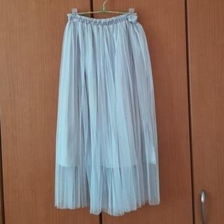 ローリーズファーム(LOWRYS FARM)のライトグレーのチュールプリーツスカート(ロングスカート)