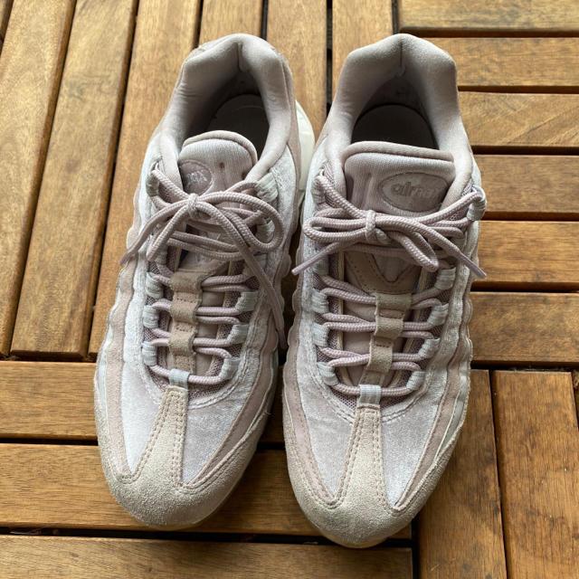 NIKE(ナイキ)のナイキ airmax98 ピンク お値下げしました! レディースの靴/シューズ(スニーカー)の商品写真