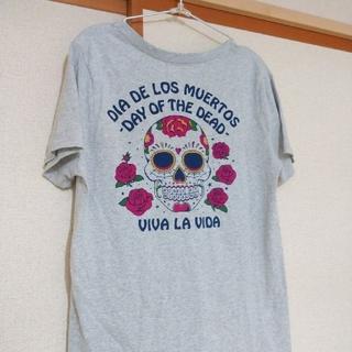 ロデオクラウンズワイドボウル(RODEO CROWNS WIDE BOWL)のRCWB グレー Vネック Tシャツ(Tシャツ(半袖/袖なし))