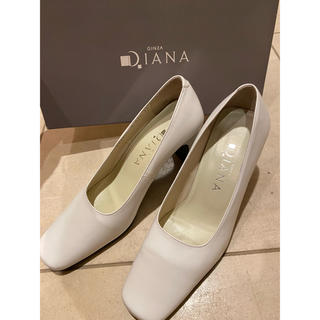 ダイアナ(DIANA)の⭐️DIANA ホワイトパンプス 21.5cm ⭐️(ハイヒール/パンプス)