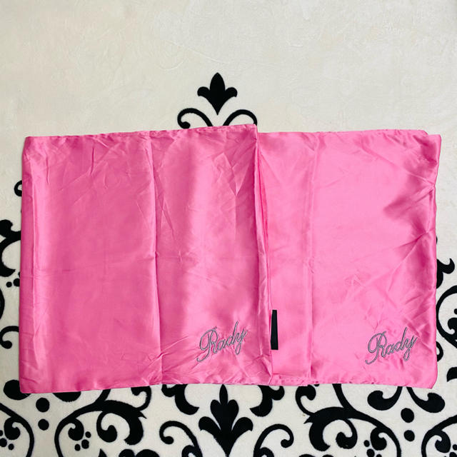 Rady(レディー)のRady ピローケース  枕カバー 2枚セット インテリア/住まい/日用品の寝具(シーツ/カバー)の商品写真
