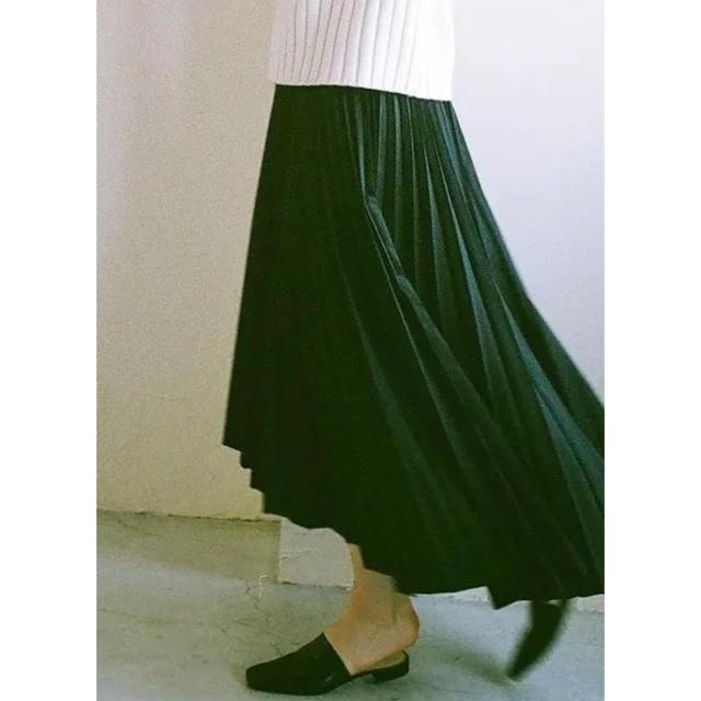 ENFOLD(エンフォルド)のCLANE プリーツスカート ブラック レディースのスカート(ロングスカート)の商品写真