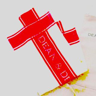 ディーンアンドデルーカ(DEAN & DELUCA)の新品 DEAN&DELUCA  ティータオル RED(収納/キッチン雑貨)
