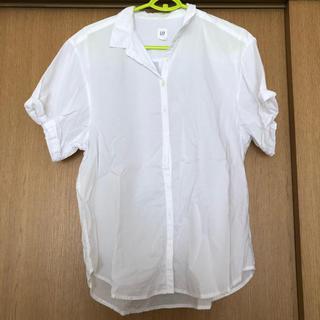 ギャップ(GAP)のGAP 白シャツ(シャツ/ブラウス(半袖/袖なし))