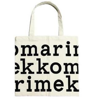 マリメッコ(marimekko)のマリメッコ 布製トートバッグ ブラックロゴ(トートバッグ)