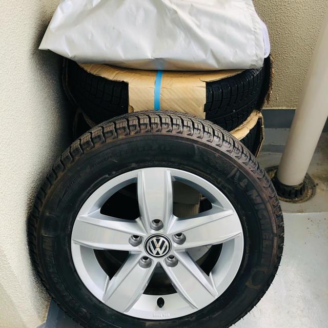 Volkswagen(フォルクスワーゲン)のVolkswagen純正アルミホイール+ミシュランスタッドレスタイヤセット 自動車/バイクの自動車(タイヤ・ホイールセット)の商品写真