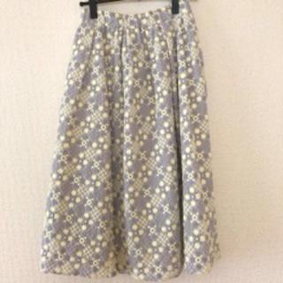 chambre de charme - シャンブルドゥシャーム 刺繍スカート