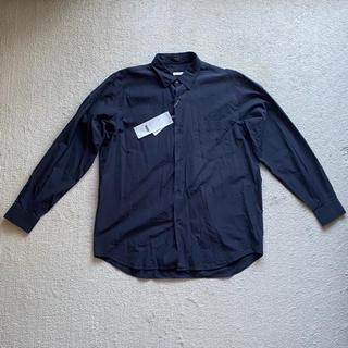 コモリ(COMOLI)のCOMOLI シャツ ネイビー 新品タグ付 サイズ2 2020SS(シャツ)