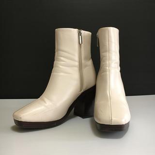 ジーナシス(JEANASIS)のジーナシス  ショートブーツ/ホワイト(ブーツ)
