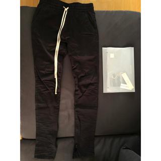 フィアオブゴッド(FEAR OF GOD)のfog Essentials trouser pants Mサイズ ブラック(ワークパンツ/カーゴパンツ)
