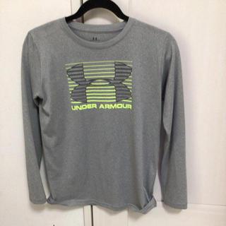 UNDER ARMOUR - 未使用アンダーアーマー長袖Tシャツ