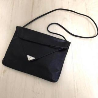 イヴサンローランボーテ(Yves Saint Laurent Beaute)の【美品】 イヴサンローラン   バッグ ★(ショルダーバッグ)