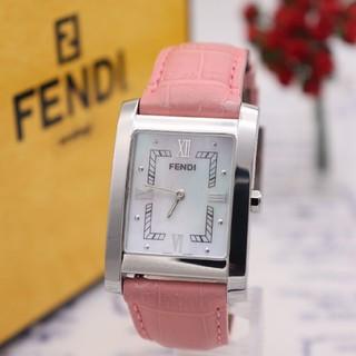 フェンディ(FENDI)の正規品【新品電池】FENDI 7000G/ホワイトシェル 美品 動作品(腕時計)