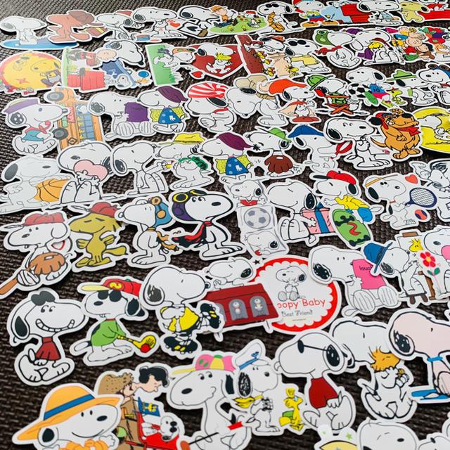 SNOOPY(スヌーピー)の大人気 100枚❤️スヌーピー チャーリーブラウン 防水 ステッカー シール エンタメ/ホビーのおもちゃ/ぬいぐるみ(キャラクターグッズ)の商品写真