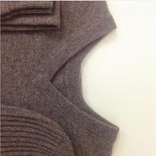 コモリ(COMOLI)のARROW57. 田中さんのセーター C.VMW カシミヤ ニット ユニセックス(ニット/セーター)