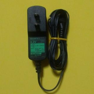 ソニー(SONY)のSONY ウォークマンスピーカー用ACアダプター 《AC-E5212》(バッテリー/充電器)