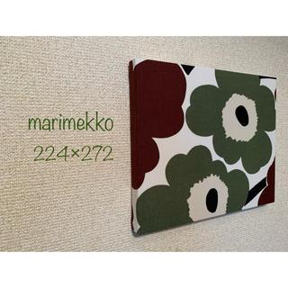 マリメッコ(marimekko)のマリメッコ 緑×茶ピエニウニッコ  ハンドメイドファブリックパネル(インテリア雑貨)