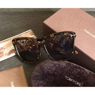 TOM FORD - TOM FORD TF788 052 56  サングラス 美品