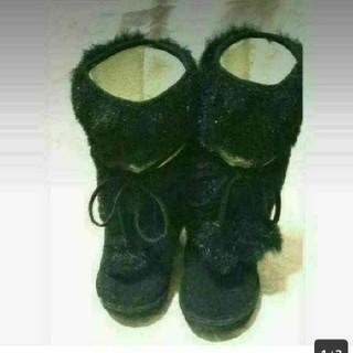 リズリサ(LIZ LISA)のリズリサ 美品 黒 フワフワのファー モコモコ 激可愛 ブーツ(ブーツ)